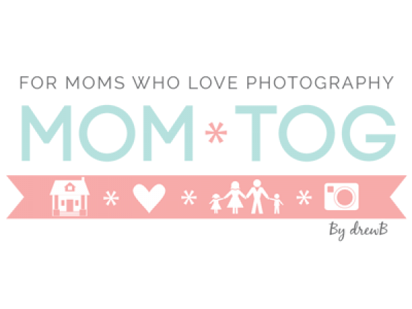 cute-custom-logo-momtog-photography